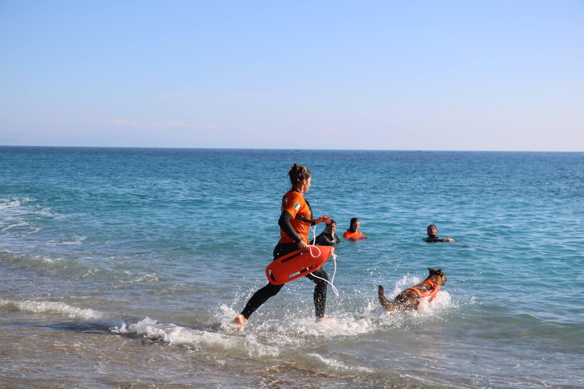 Associazione Dei dell'acqua Onlus, Cristina e Gwen salvataggio in acqua